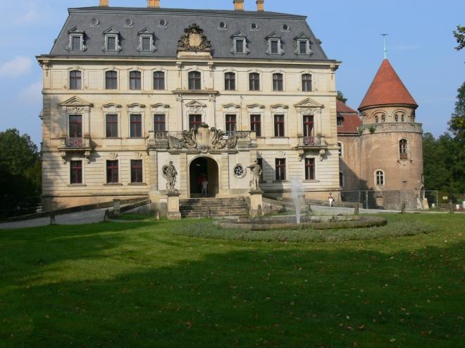 Das Schloss in herbstlicher Sonne