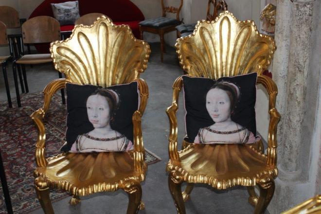 Stühle für die Prinzessinnen