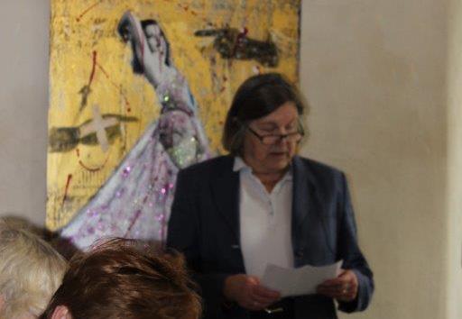Frau von Schwerin begrüßt die Gäste